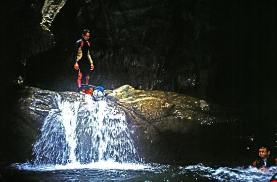Laurent va sauter une cascade de la Bendola